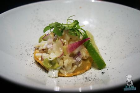 Cantina La Veinte's Tostada de Snow Crab